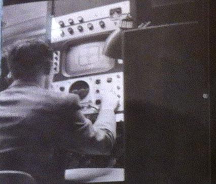 1952ELIvideoprojector7.jpg