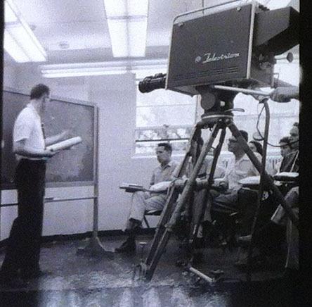 1952ELIvideoprojector6.jpg